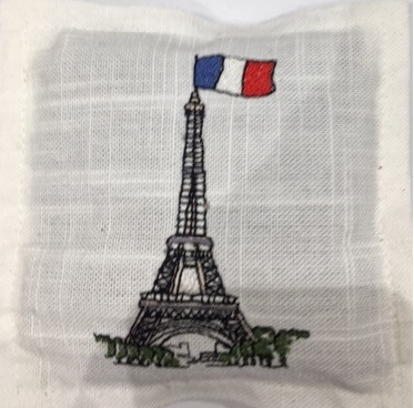 lav sachet sq tour eiffel with french flag